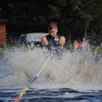 Tom Waterskiing 019