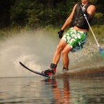 Tom Waterskiing 028