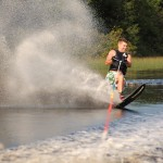Tom Waterskiing 030