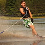 Tom Waterskiing 033