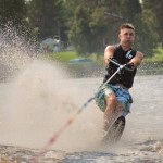 Tom Waterskiing 043