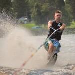 Tom Waterskiing 043