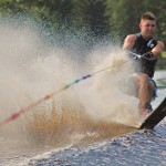 Tom Waterskiing 044