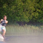 Tom Waterskiing 068