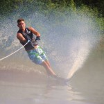 Tom Waterskiing 069