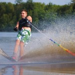 Tom Waterskiing 071