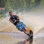 Tom Waterskiing 075