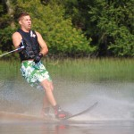 Tom Waterskiing 080